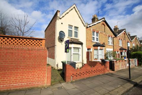 2 bedroom end of terrace house - Richmond Road, Bounds Green, N11 - VIRTUAL VIEWINGS AVAILABLE