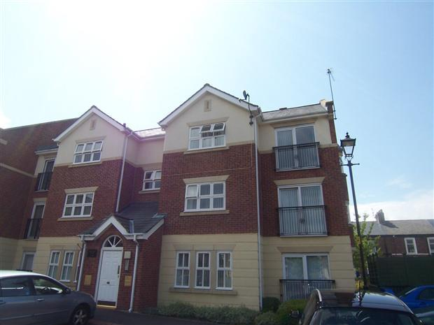 2 Bedrooms Flat for sale in LEOPOLD HOUSE, ROYAL COURTS, SUNDERLAND SOUTH