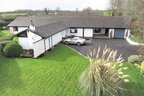 4 bedroom detached house for sale - 9 West Acre, Llanmaes, The Vale of Glamorgan CF61 2XQ