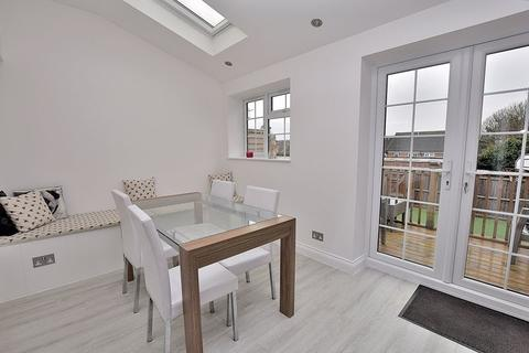 3 bedroom terraced house for sale - SOUTH WEST DUNSTABLE! IDEAL for first time buyers!