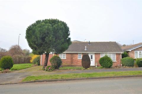 2 bedroom detached bungalow for sale - Hedingham Way, Mickleover, Derby
