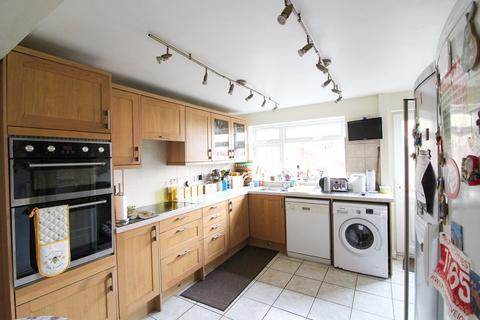 4 bedroom detached house for sale - Fulmar Close, Poynton, Stockport, SK12