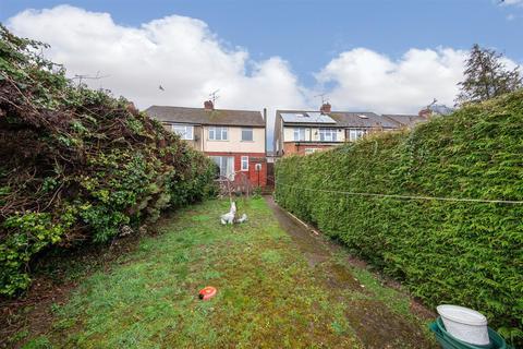 3 bedroom semi-detached house for sale - Grosvenor Road, Luton, Bedfordshire
