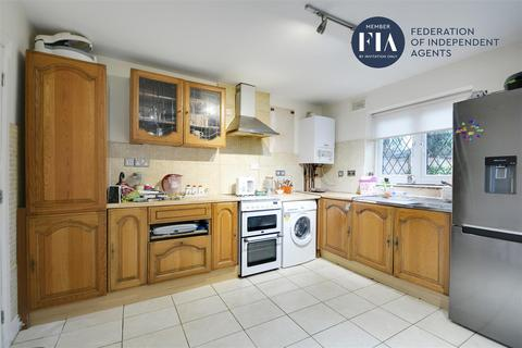 3 bedroom semi-detached house for sale - Jersey Road, Hounslow