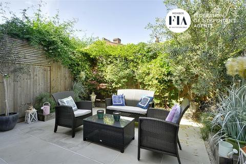 1 bedroom flat for sale - Graham Road, Chiwick