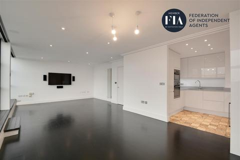 2 bedroom apartment for sale - Town Meadow, Ferry Quays, Brentford