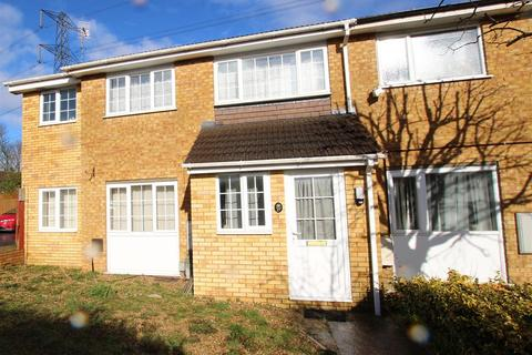 End of terrace house to rent - Therfield Walk, Houghton Regis
