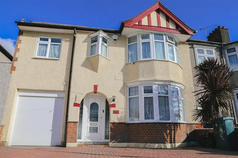 4 bedroom semi-detached house for sale - Conway Crescent, Chadwell Heath