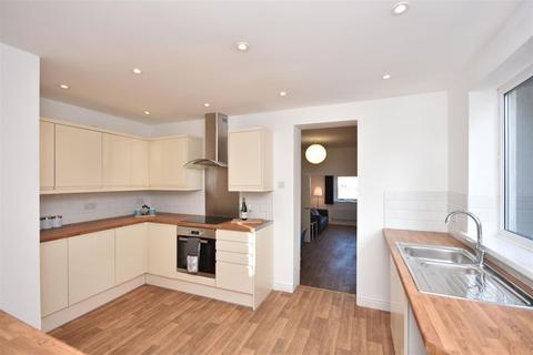 3 bedroom terraced house for sale - Swansea Road, Waunarlwydd, Swansea