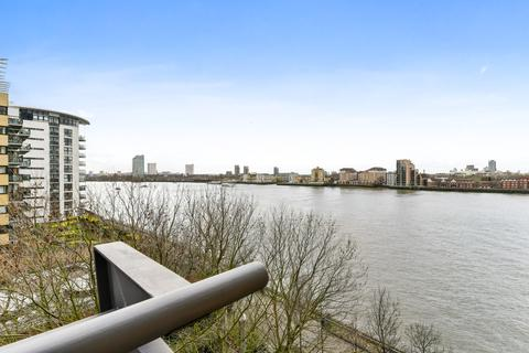 1 bedroom flat for sale - Naxos Building, 4 Hutchings Street, London, E14