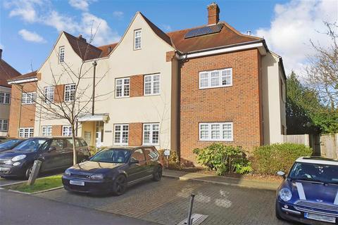 2 bedroom ground floor flat for sale - Howard Close, Ashtead, Surrey