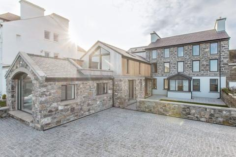 4 bedroom house for sale - Derbyhaven House, Derbyhaven