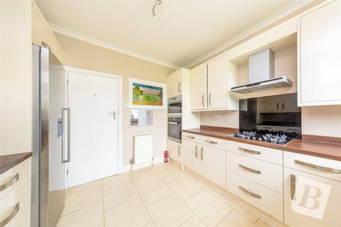 4 bedroom semi-detached house for sale - Ruskin Avenue, Upminster, RM14