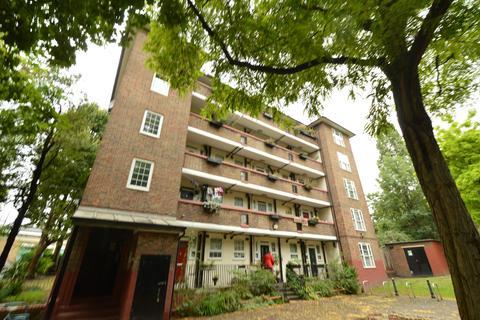 2 bedroom flat to rent - Browne House, Deptford Church Street, London, SE8