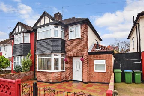 5 bedroom semi-detached house for sale - Brookdene Road, London