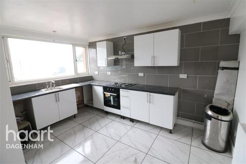 3 bedroom terraced house to rent - Ridgewell Close, Dagenham