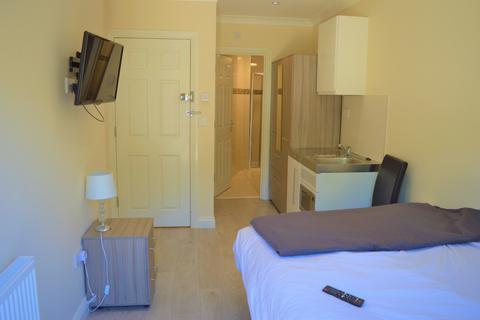 Studio to rent - Clifford Avenue Room 4,  Ilford, IG5