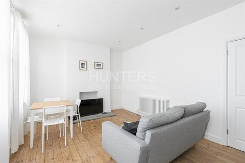 2 bedroom flat for sale - Finchley Road, London, NW2 2HY
