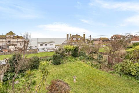 4 bedroom detached house for sale - North Foreland Avenue, Broadstairs