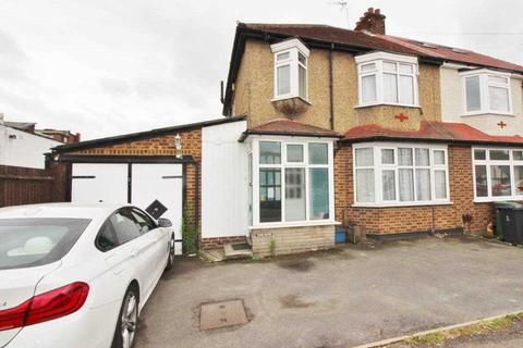 3 bedroom semi-detached house to rent - Grosvenor Road, Borehamwood