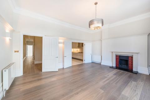 2 bedroom flat to rent - Harrogate House, 29 Sloane Square, London