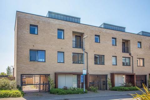 4 bedroom semi-detached house for sale - Glebe Farm Drive, Trumpington, Cambridge