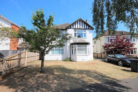 2 bedroom flat - Brackendale Road, Queens Park, Bournemouth