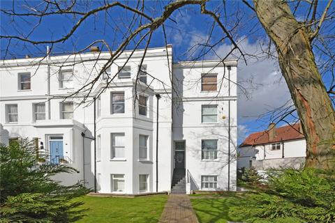 1 bedroom flat for sale - Hervey Road, Blackheath, London, SE3