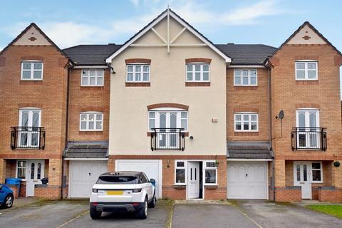 3 bedroom townhouse for sale - Hampton Court Way, Widnes