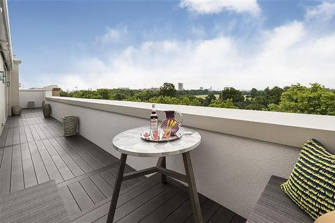3 bedroom flat to rent - Hampshire House, Hyde Park Place, Hyde Park, London, W2