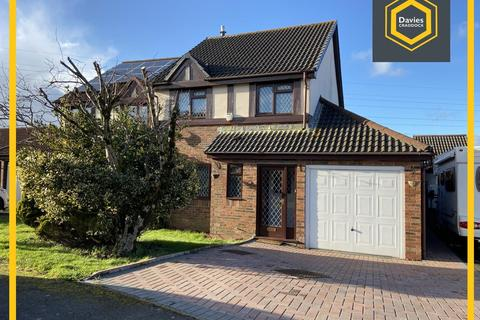 3 bedroom detached house for sale - Clos Y Gelli, Llanelli, SA14
