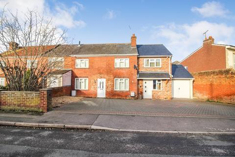 4 bedroom semi-detached house for sale - Armour Road, Tilehurst, Reading, RG31