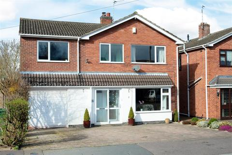 5 bedroom detached house - Patterdale Drive, Loughborough