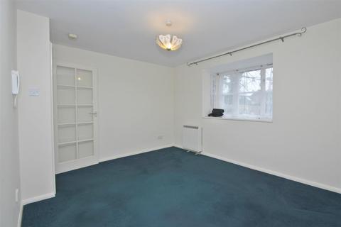 Studio to rent - Cranbrook, Woburn Sands, Milton Keynes