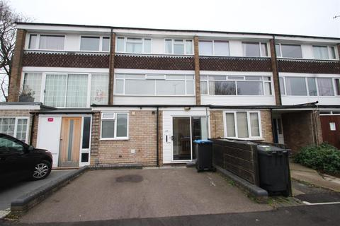 3 bedroom house share to rent - Hatfield Crescent, Hemel Hempstead