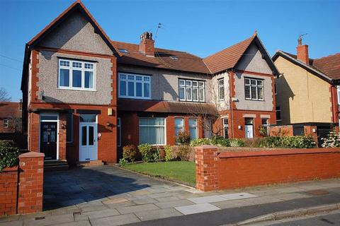 3 bedroom flat for sale - College Road North, Crosby, LIVERPOOL