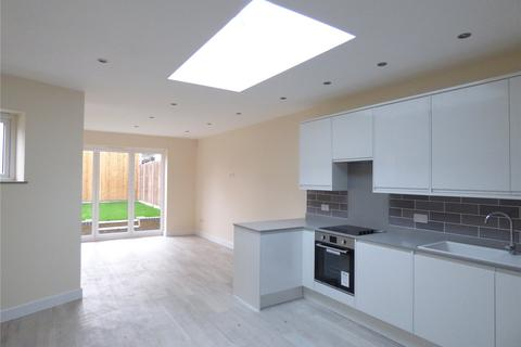 2 bedroom bungalow for sale - Staffa Road, Leyton, London, E10