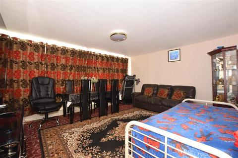 2 bedroom ground floor flat for sale - Wrangleden Road, Maidstone, Kent