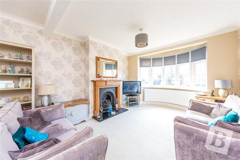 3 bedroom semi-detached house for sale - Glebe Way, Hornchurch, RM11