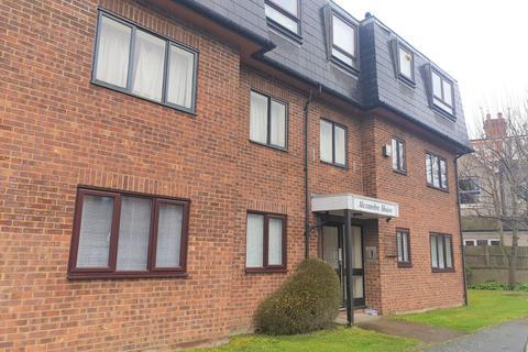 2 bedroom flat to rent - Alexandra Avenue, Camberley