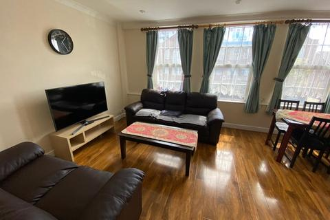 2 bedroom flat to rent - Kingston Road, South Wimbledon, SW19