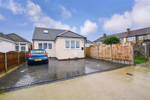 5 bedroom bungalow for sale - Frederick Road, Rainham, Essex