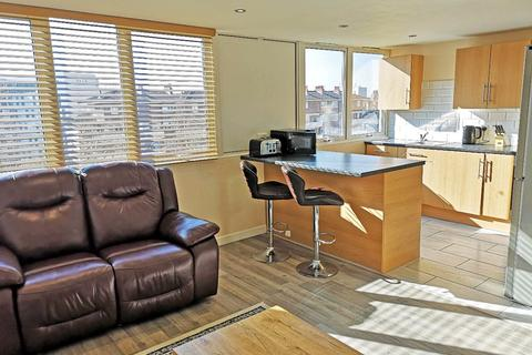2 bedroom apartment to rent - Melbourne Court, Howard Street, Newcastle Upon Tyne