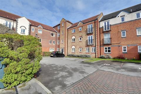 3 bedroom apartment for sale - Axholme Court, Hull, East Yorkshire, HU9