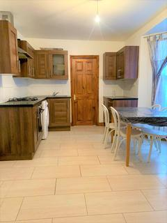2 bedroom flat to rent - Clinton Road, Forest Gate, E7