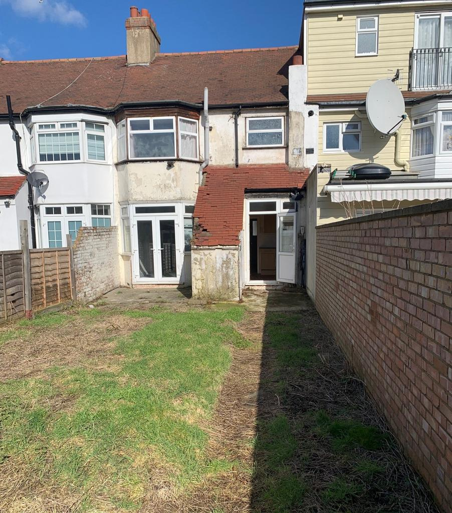 Shortlands Close Edmonton London N18 3 Bed Terraced