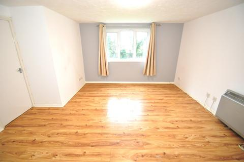 2 bedroom flat to rent - Shortlands Close,  Belvedere, DA17