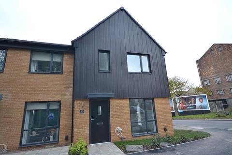 3 bedroom semi-detached house to rent - New Berkeley Street, Hanley