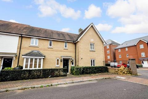 3 bedroom terraced house for sale - Salamanca Way, Colchester, CO2 9GB