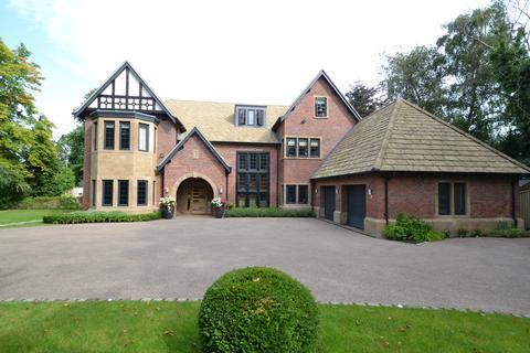 6 bedroom detached house for sale - Prestbury Road, Wilmslow